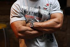 incrociare le braccia 3