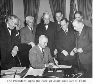 La-firma-del-Piano-Marshall